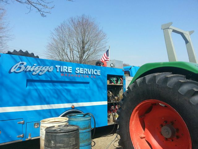 Mobile farm tire service truck